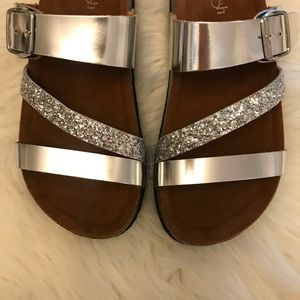 🆕 Silver Glitter Strap Buckle Footbed Sandals